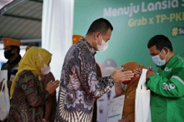 Grab dan TP-PPK Sumut gelar vaksinasi bagi lansia