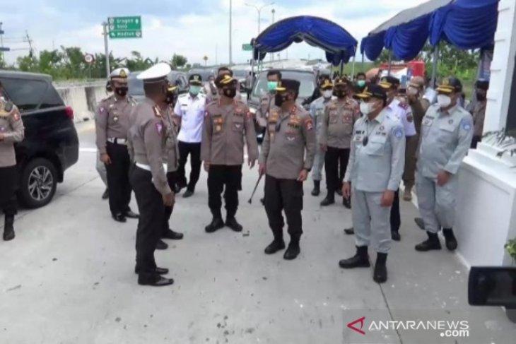 Korlantas Polri cek kesiapan penyekatan jalur mudik di perbatasan Jatim-Jateng