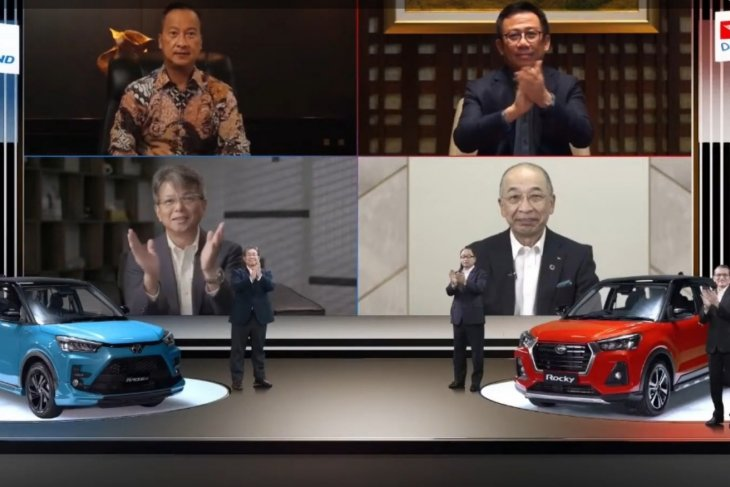 Toyota Raize dan Daihatsu Rocky diperkenalkan di Indonesia