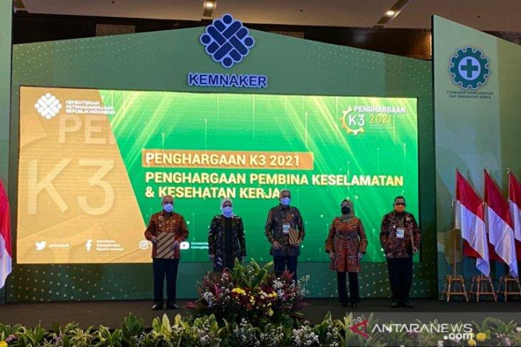 Jambi terima  anugerah penghargaan K3 2021 dari Kemnaker