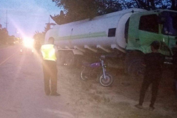 Taft hantam truk tanki di jalan lintas barat Sumatera, lima orang terluka