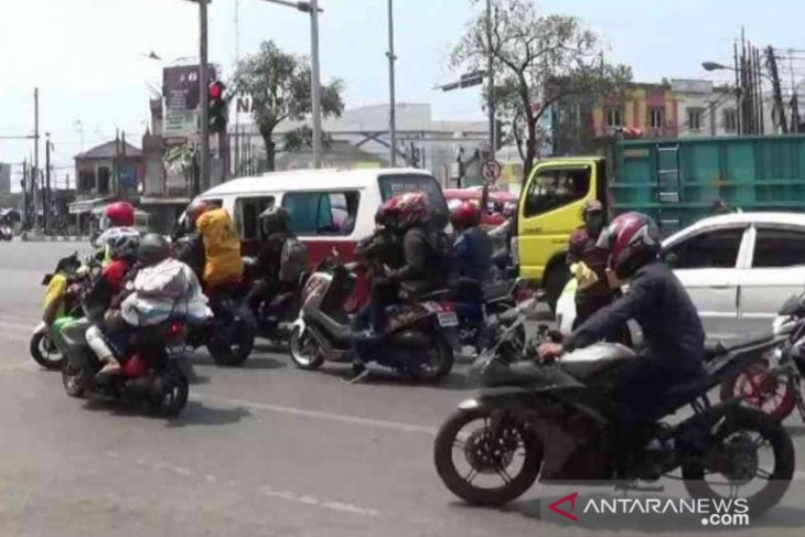 ASN Pemkab Bekasi diminta rayakan Lebaran di rumah saja