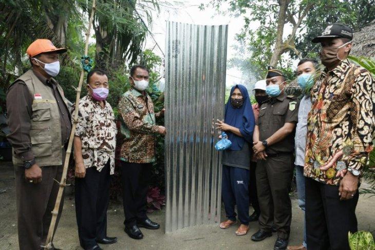 Pemkab Sergai bantu warga terdampak puting beliung