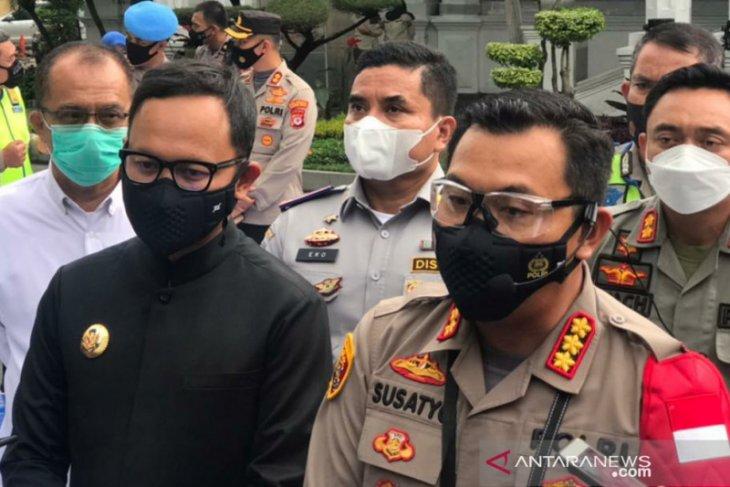 Ganjil-genap kembali diberlakukan di lingkar Kebun Raya Bogor pada akhir pekan
