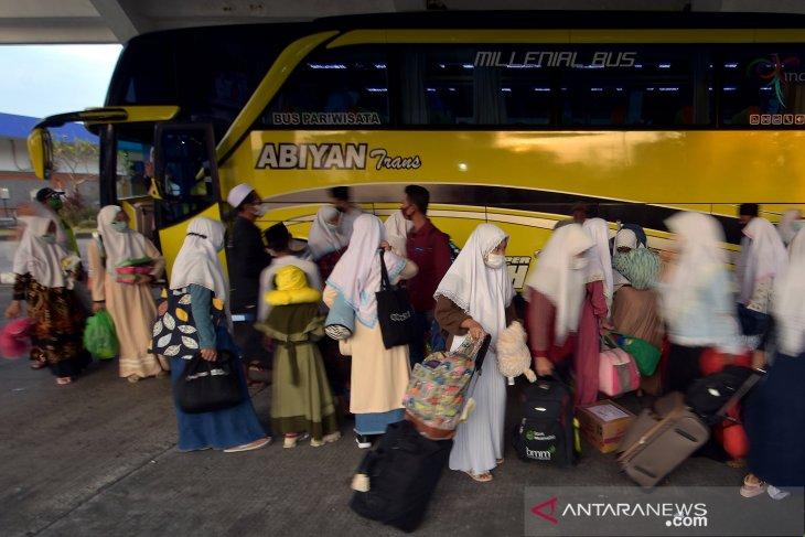 Sebagian santri Tanjabbar mudik sebelum puasa, sisanya masih berada di ponpes di Jawa