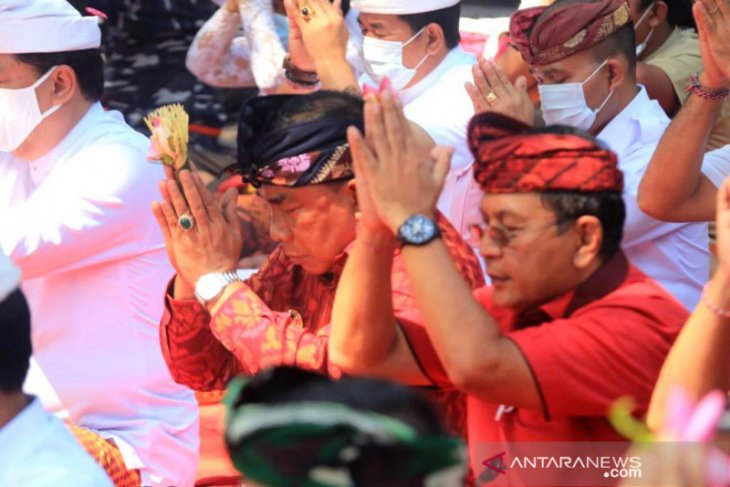 Bupati Jembrana ikut doa bersama untuk korban KRI Nanggala-402