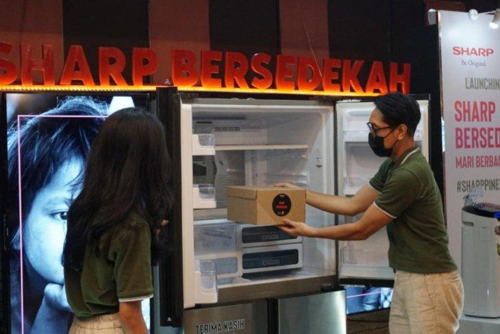 Siapkan kulkas di ruang publik,  Sharp ajak sedekah makanan di Ramadhan
