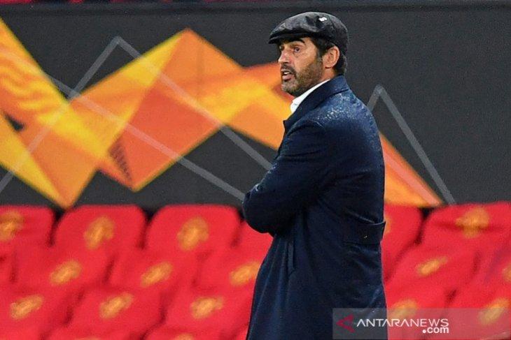 Digasak MU 2-6, pelatih Roma sebut penampilan babak kedua serba salah