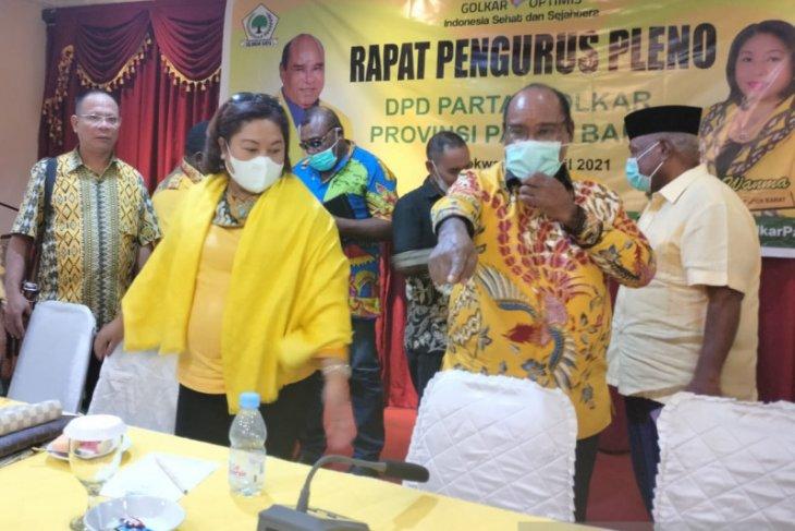 Lambert Jitmau pimpin rapat perdana DPD Golkar Papua Barat
