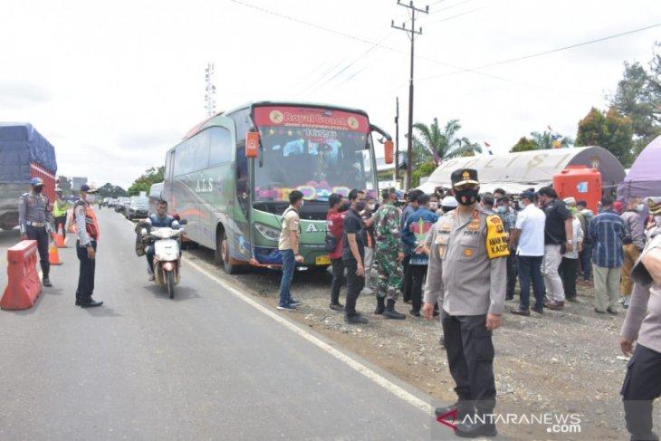 Kapolda Jambi pantau pos penyekatan di perbatasan Jambi-Sumbar