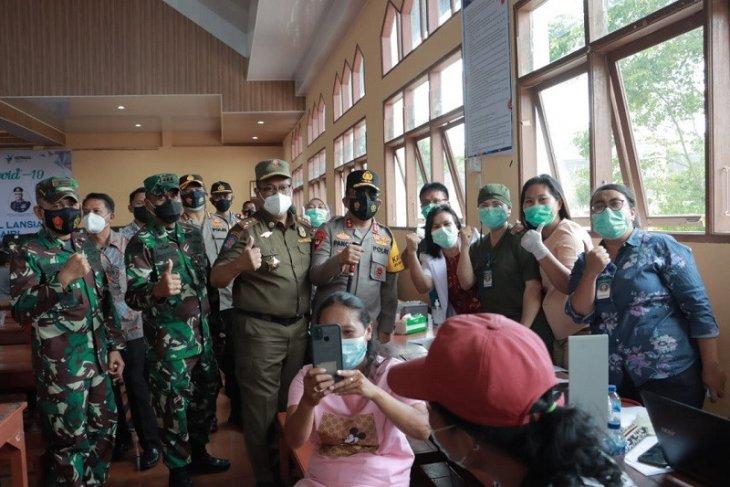 Kapolda dan Pangdam monitoring vaksinasi di Dairi