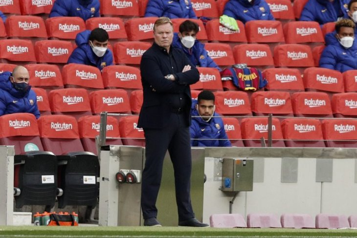 Ronald Koeman dipastikan tak akan dampingi Barcelona lawan Atletico