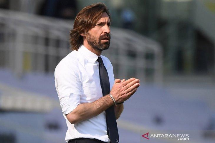 Pirlo mengaku ogah terpengaruh spekulasi masa depannya di Juve