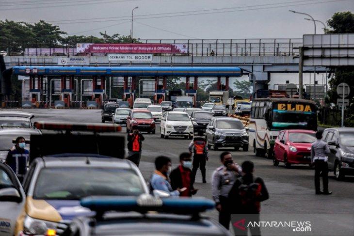 Ganjil-genap di Kota Bogor berdampak terjadi kemacetan menuju lingkar KRB