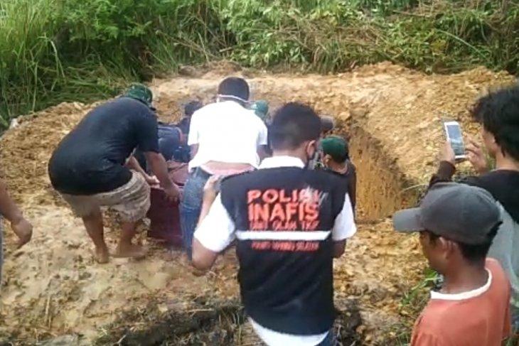 Markus Gulo harap tiga anaknya segera ditemukan dari timbunan longsor