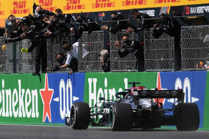Formula 1: Hamilton juarai GP Portugal untuk koleksi kemenangan ke-97