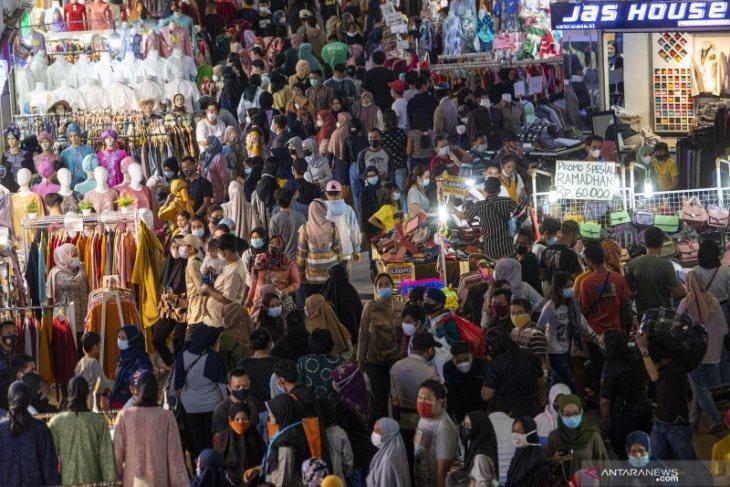 Pasar Tanah Abang dikunjungi lebih dari 100 ribu pengunjung