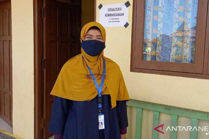 15 warga Desa Asri Mulya ikuti sosialisasi kewirausahaan