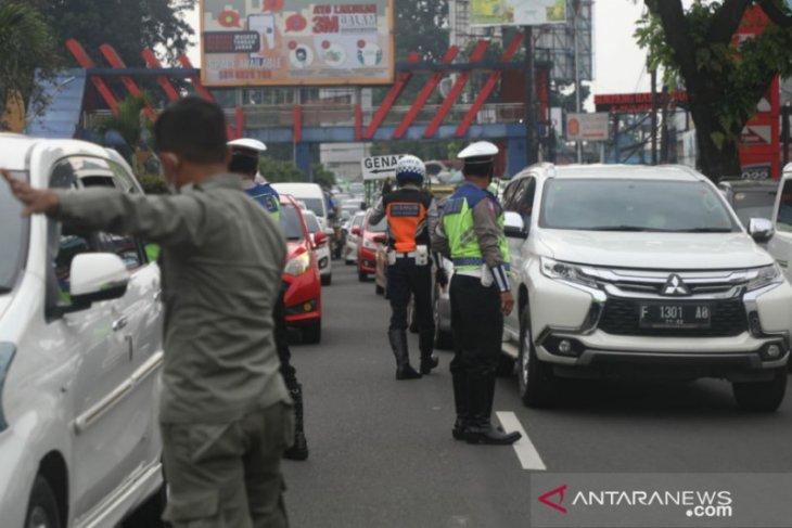 Pelaksanaan ganjil-genap hari kedua di Kota Bogor ada 3.076 kendaraan diputarbalikkan