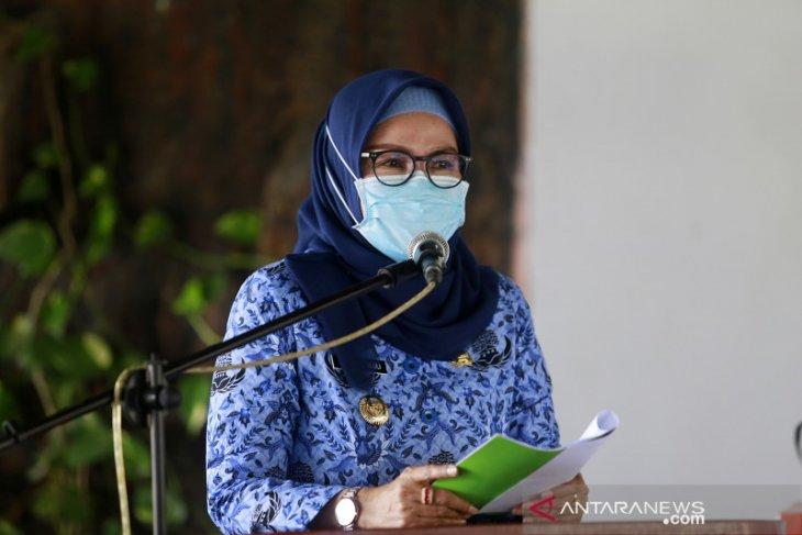 Pemkab Bone Bolango vaksinasi warga usai Shalat Tarawih