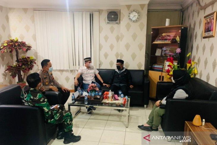 Usir jamaah bermasker, Kepolisan tegur keras pengurus masjid di Bekasi