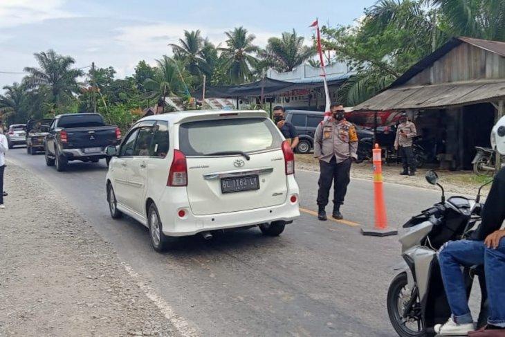 Kapolres Langkat tinjau pos penyekatan Langkat-Aceh