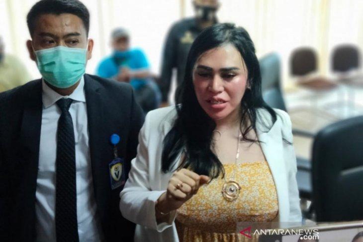 DPRD Medan mediasi Ratu  Entok dengan perawat