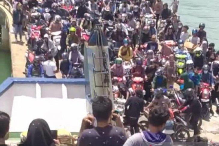 Jelang lebaran, ribuan penumpang mudik ke Simeulue