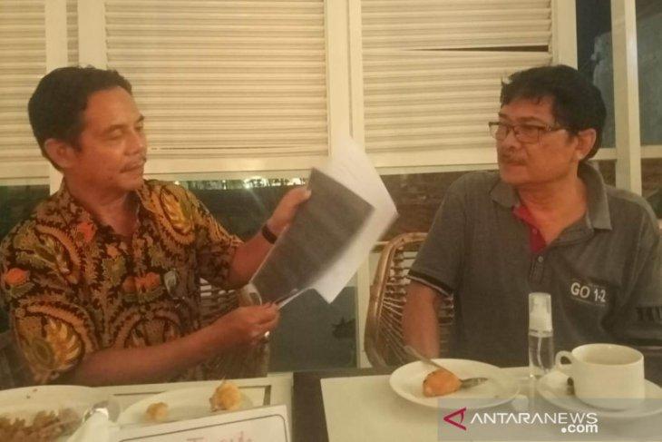 Seorang wartawan senior dilaporkan masuk ke rumah sendiri tanpa izin