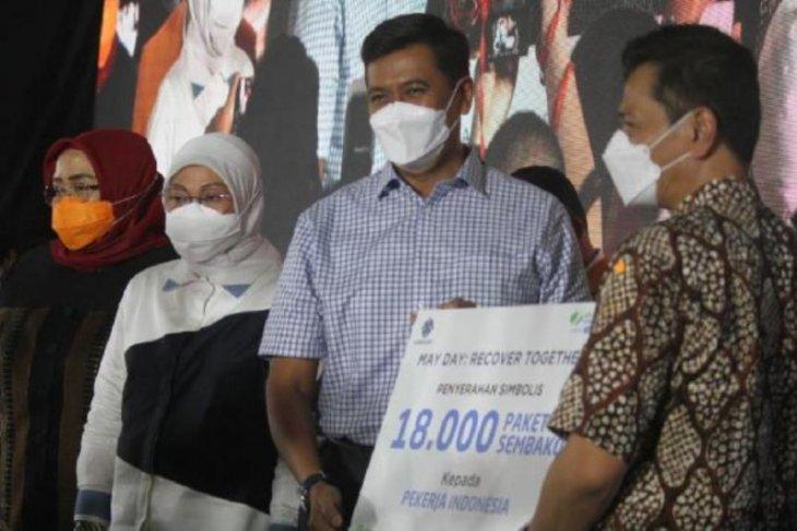 May Day era pandemi, BPJAMSOSTEK berikan bantuan 18 ribu sembako kepada pekerja