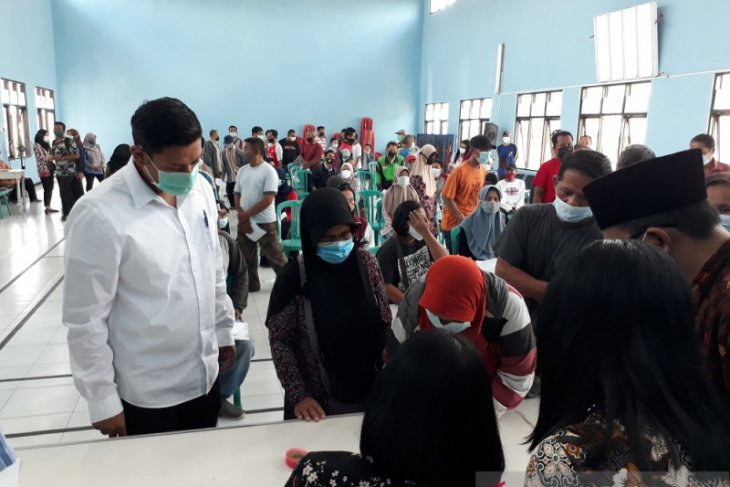 Pemkot Kediri bagikan uang tunai untuk warga terdampak COVID-19