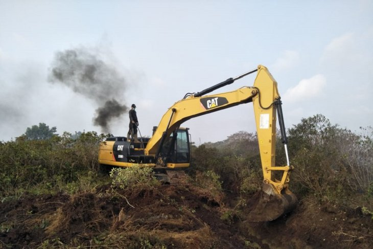 KPHP Mukomuko telusuri aktivitas alat berat dalam hutan