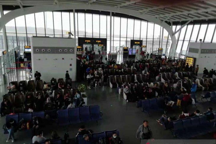 2.600 penerbangan di China ditunda di tengah kepadatan arus mudik