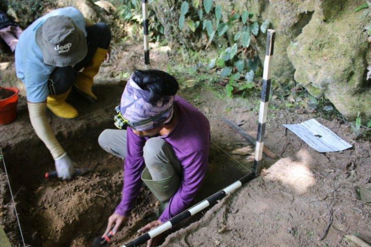Ada jejak kehidupan manusia prasejarah di beberapa gua di Tambrauw Papua Barat