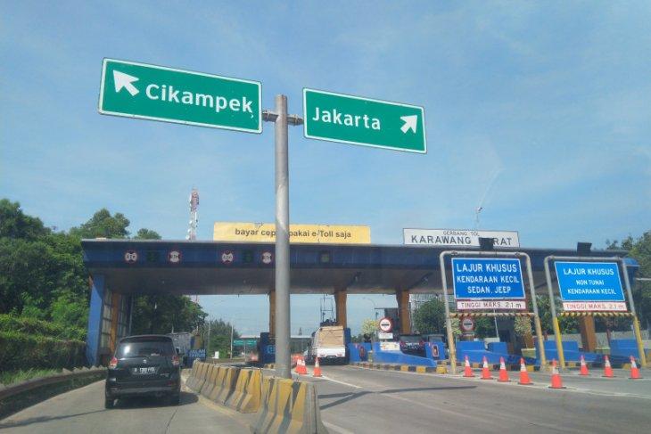"Jakarta-Cikampek toll road crowded yet before ""mudik"" ban"