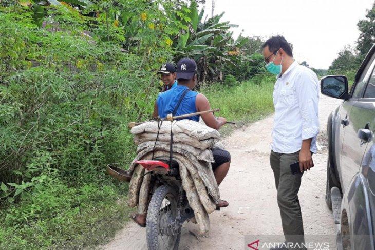 Harga karet di Kalbar saat ini bertahan di Rp22.000 per kilogram