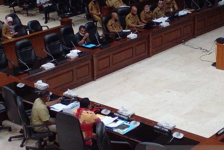 Fraksi Golkar  Dokumen LKPJ Gubernur Maluku 2020 cacat administrasi