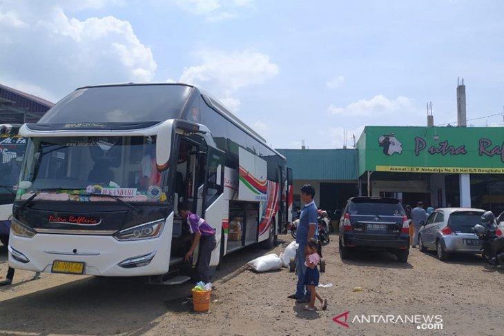 H-1 larangan mudik, bus di Bengkulu dipenuhi penumpang