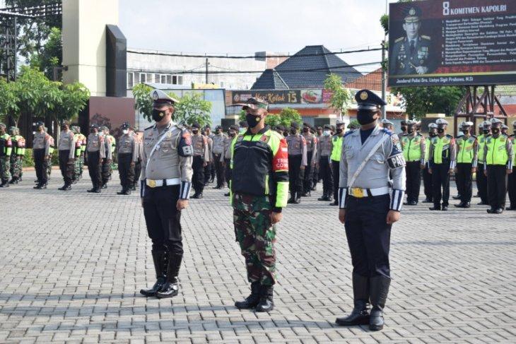 Polresta Sidoarjo siagakan 200 personel jaga titik penyekatan