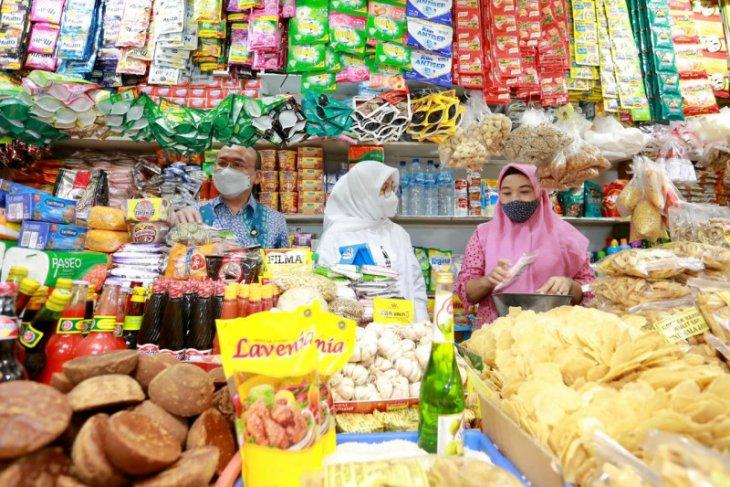 Gerakan belanja ke pasar rakyat Banyuwangi fokus UMKM mantan pekerja migran