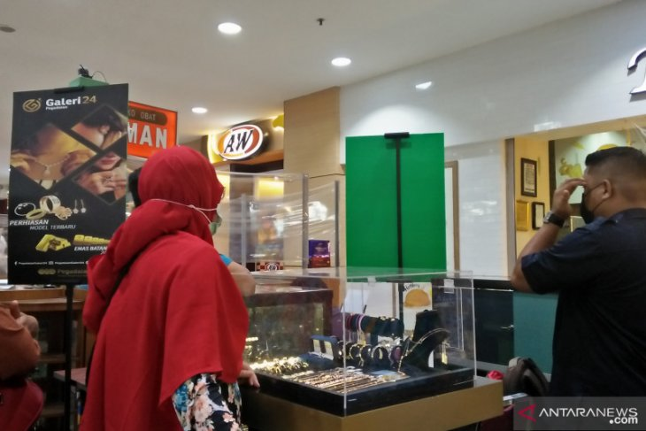 Bazar emas Galeri 24 diserbu pengunjung, minat beli emas meningkat jelang lebaran