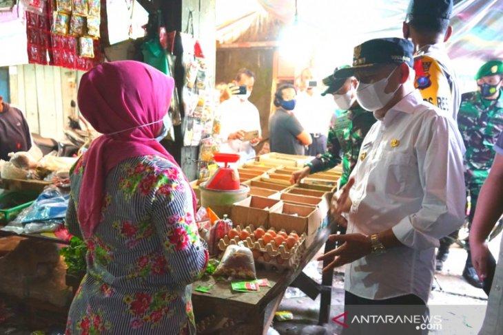 Pastikan ketersediaan barang dan harga jelang Lebaran, Bupati dan Forkopimda sidak pasar