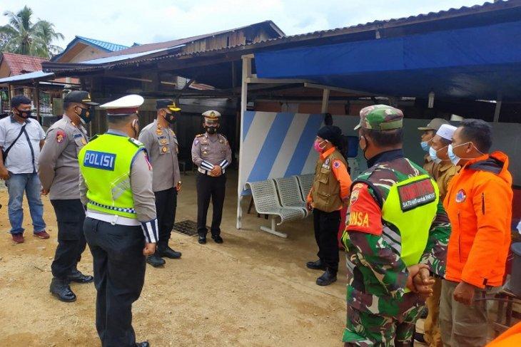Kapolres Tapteng cek kesiapan pos penyekatan di perbatasan Aceh-Sumut
