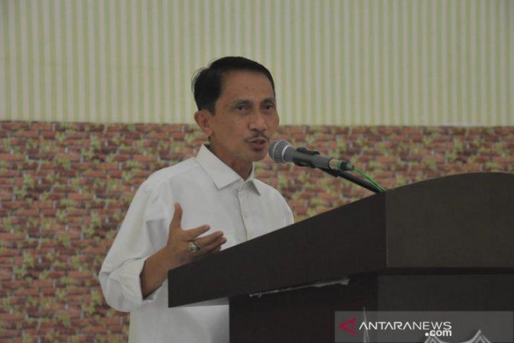 Bupati Gorontalo serahkan SK bagi tenaga kontrak tahap III