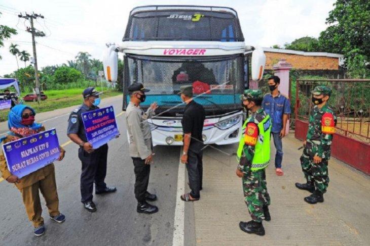 Penyekatan pemudik di jalan Lintas Sumatera