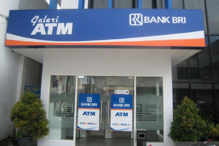 Masih Gratis Ini Perbandingan Biaya Transaksi Kartu Debit BRI di ATM