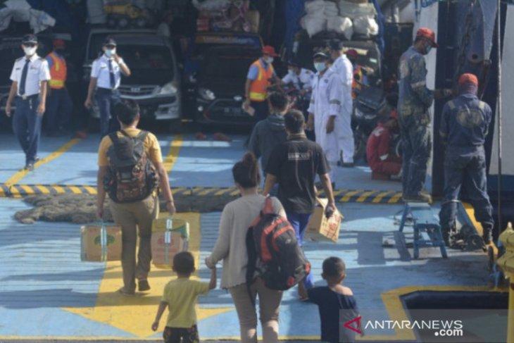 Pemprov Jatim siagakan 302 personel awasi ASN nekat mudik