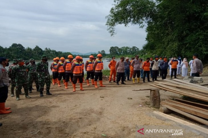 Tim SAR hentikan pencarian korban longsor Batang Toru
