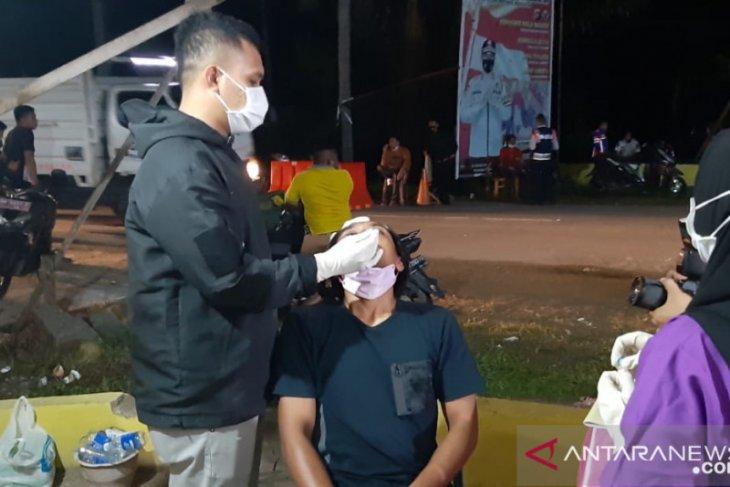 Pelintas jalani tes kesehatan di pos perbatasan Gorontalo dan Sulut