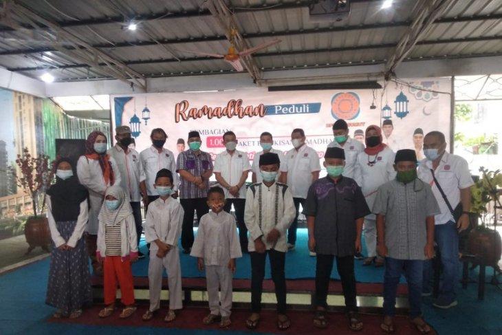 Jelang Lebaran 2021, REI Sumut bagikan 1.000 paket sembako